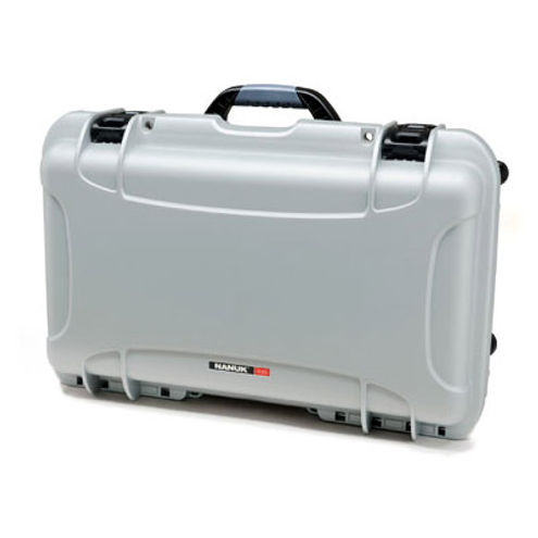 935 Case w/ Foam, Retractable Handle and Wheels - Silver