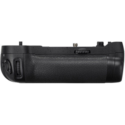 MB-D17 Grip for D500