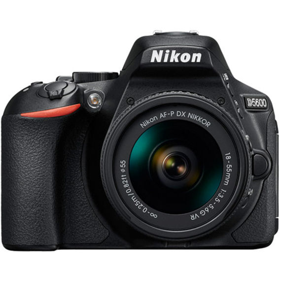 Nikon D5600 Kit w/ AF-P DX NIKKOR 18-55mm VR Lens