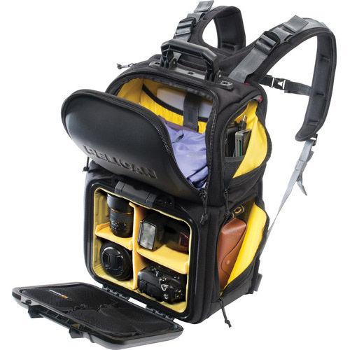 U160 URBAN HALF CASE Black Backpack